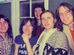 Angus Young, Malcolm, Bon Scott, Phil Rudd, Mark Evans AC/DC 70's