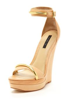 Katlyn Wedge    Open toe - Single strap vamp - Ankle strap with buckle closure - Gold strap detail - Covered platform