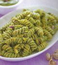 pasta con lattuga e pistacchi
