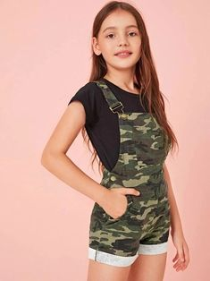 Girls Camo Print Patch Pocket Cuffed Hem Overall Shorts – Kidenhouse Teenage Girl Outfits, Girls Fashion Clothes, Dresses Kids Girl, Cute Girl Outfits, Kids Outfits Girls, Tween Fashion, Teen Fashion Outfits, Cute Outfits For Kids, Teenager Outfits