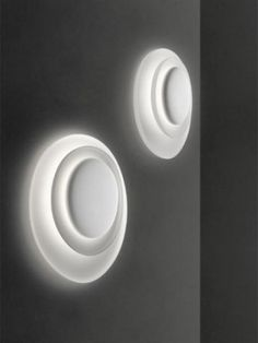 BAHIA wall lamp designed by Lucidi e Pevere for FOSCARINI.    http://santiccioli.com/en/collections/?filter=product&name=bahia