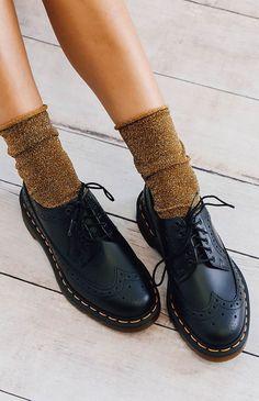 Dr Martens 3989 Original Wingtip Brogue S. Dr. Martens, Dr Martens Boots, Doc Martens Oxfords, Doc Martens Women, Sock Shoes, Cute Shoes, Me Too Shoes, Shoe Boots, Shoes And Socks