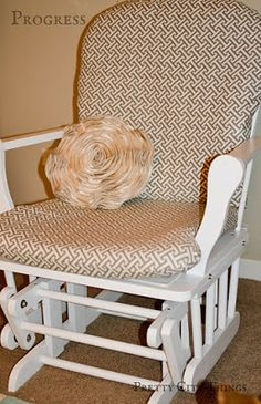 Pretty City Things: How To Recover A Nursery Glider (beginning sewer, removable slipcovers, she made arms too, they just aren't in the picture) Glider Slipcover, Glider Cushions, Rocking Chair Cushions, Glider Chair, Slipcovers, Glider Redo, Gliders, Looks Cool, Home Projects