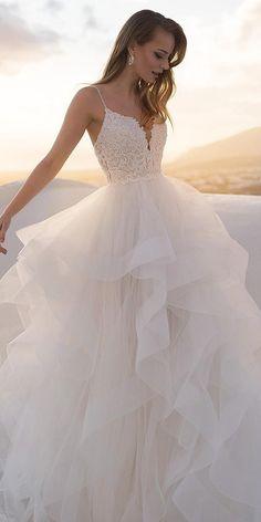 Plain Wedding Dress, Pretty Wedding Dresses, Cute Prom Dresses, Wedding Dress Trends, Princess Wedding Dresses, Bridal Dresses, Wedding Gowns, Wedding Cakes, Wedding Ideas