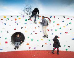 The Climbing Wall. Into the Wild Deltaplantsoen The Hague. . . #play #playground #playscape #intothewild #dmau #deltaplantsoen #denhaag #speeltuin #schoolplein #publicspace #climbing #design #architecture #drawing #thehague #klimmuur #agga @openfabric