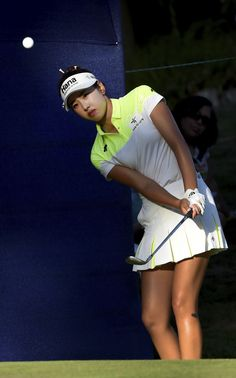Yealimi Noh chips onto the green during the final round of the LPGA Cambia Portland Classic golf tournament in Portland, Ore. Lpga Tour, Michelle Wie, Classic Golf, Final Four, Professional Women, Rally, Portland, Cheer Skirts, Two By Two