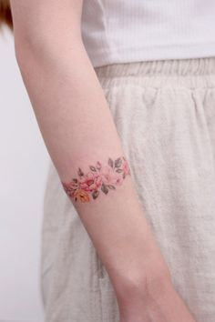 Trendy Mini Wrist Tattoos For Girls in Year 2019 - Part .- Trendy Mini Wrist Tattoos For Girls in Year 2019 – Part 16 Trendy Mini Wrist Tattoos For Girls in Year wrist tattoos; Mini Tattoos, Large Tattoos, Body Art Tattoos, Cool Tattoos, White Tattoos, Tattoo Small, Tiny Wrist Tattoos, Tiny Tattoos For Girls, Wrist Tattoos For Guys