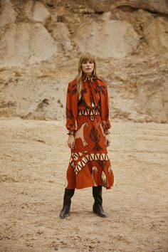 Johanna Ortiz Pre-Fall 2021 collection, runway looks, beauty, models, and reviews. Fashion 2020, Fashion News, Boho Fashion, Autumn Fashion, Womens Fashion, Conversational Prints, 21st Dresses, Knitwear Fashion, Fashion Show Collection