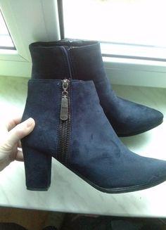 Kup mój przedmiot na #vintedpl http://www.vinted.pl/damskie-obuwie/botki/12497509-granatowe-botki-na-slupku-zamszowe-z-zamkiem