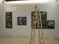 """Montaje de """"Atrapar la vida"""". #Fotografías de Eugeni Forcano, en la Real Academia de Bellas Artes de San Fernando. http://www.mecd.gob.es/cultura-mecd/areas-cultura/promociondelarte/exposiciones/eugeni-forcano.html"""