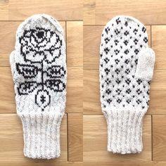 marimekkoのvihkiruusu&muija❣️ 柄のミトン。 糸はリッチモアパーセントを使用。 柄の出方を見たくてとりあえず編んでみた試作品。 Marimekko, Knitting Ideas, Free Time, Stuff To Do, Gloves, Tapestry, Hands, Hanging Tapestry, Tapestries