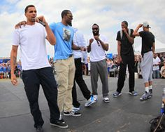 4,000-Plus Thunder Fans Greets Team at Airport | THE OFFICIAL SITE OF THE OKLAHOMA CITY THUNDER <---Things like this make me SUPER PROUD that I was raised in Oklahoma:-)! It's easy to cheer for & adore someone when they're winning. The OKC Thunder Fans are TRUE BLUE fans who came out to show their support after the team's heartbreaking loss to the Miami Heat. I don't think this would've happened in most NBA cities.