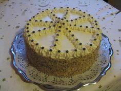 Máslový dort s ořechy.