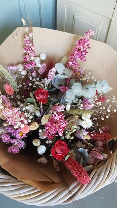 Dried Flower Arrangements, Dried Flowers, Bunch Of Flowers, Pretty Flowers, Bloom Where You Are Planted, My Secret Garden, Gras, Cool Plants, Plant Decor