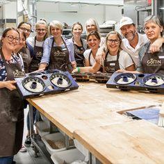 René - unser #Backstubenleiter, #Bäcker aus #Leidenschaft und äußerst beliebter Lehrmeister in der BACK.WERK.STATT 🥨 ist mit dem heutigen Tag seit ❗20 Jahren❗️durchgehend in unserem #Dream-Team ❤️ und ein wunderbarer Teil vom #Wienerroither.  Vielen Dank, René, für Deinen 100%igen Einsatz! Du bist großartig! 🤩  #backstube, #meisterbäcker, #bäckermeister, #brothandwerker, #teamleader, #brotliebhaber, #rennsemmelfahrer, #winterwasserschwimmer, #jubiläum, #maguat #danke  foto: Wolfgang…