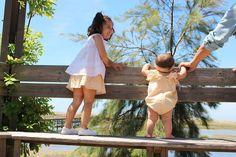 Raios de Sol Blog Da Carlota, Little Ones, Little Girls, Kid Styles, Kids Fashion, Children Style, Cover Up, Girls Dresses, Nursery
