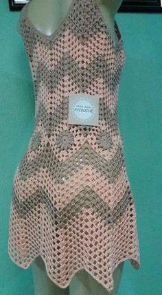 Crochet Long Dresses, Crochet Clothes, Half Sleeve Dresses, Lace Dress With Sleeves, Crochet Geek, Crochet Top, Simple Dresses, Pretty Dresses, Chunky Girls