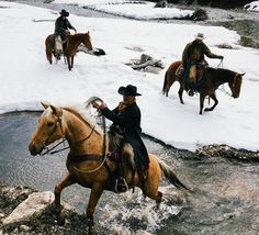 Honoring his kill, proud of his shot, grateful for his reward. Photo by Western Riding, Western Art, Horse Riding, Cowboy Ranch, Cowboy And Cowgirl, Real Cowboys, Cowboys And Indians, Gaucho, Westerns