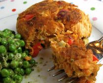 Salmon patties, healthy old fashioned comfort food. I substituted the saltines crumbs for wholemeal bread crumbs.