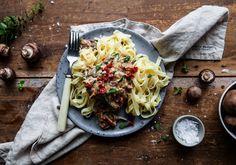 Pasta med krämig ädelostsås, soltorkade tomater och svamp Swedish Chef, Spaghetti, Pasta, Ethnic Recipes, Food, Noodles, Meals, Noodle, Pasta Recipes