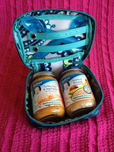 Baubles and Bracelet case keeps baby food (and spoon) safe and secure. Toss in your diaper bag or purse for on-the-go organization