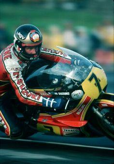 Barry Sheene Motorcycle Racers, Suzuki Motorcycle, Girl Motorcycle, Old School Motorcycles, Racing Motorcycles, Grand Prix, Honda Cub, Old Bikes, Moto Guzzi