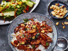 Thai Basil Chicken Thaise Basilicum Kip Thai Basil Chicken, Teriyaki Chicken, Kung Pao Chicken, Thai Recipes, Asian Recipes, Healthy Recipes, Sushi, Vegan, Food Porn