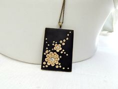 Black Necklace Beige Floral Necklace Rectangle door TunicBotik