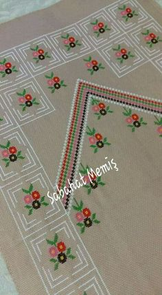 This Pin was discovered by sou Cross Stitch Borders, Cross Stitch Designs, Cross Stitch Patterns, Crewel Embroidery, Embroidery Designs, Namaste, Alphabet, Retro, Crafts