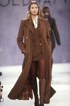Fall 1994 – Todd Oldham Studio 90s Fashion, Couture Fashion, Runway Fashion, Fashion Show, Vintage Fashion, Fashion Outfits, Fashion Design, High Fashion Dresses, Estilo Beatnik