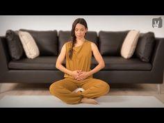 Yoga Praenatal: 20 Minuten Programm für das erste Trimester! - YouTube