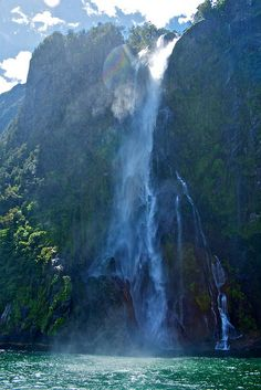 Stirling Falls, Milford Sound, New Zealand by dazstudios via Flickr.