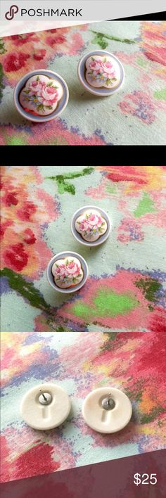 Vintage Retro Round Porcelain Pink Rose Earrings Vintage Retro Button-Style Round white Porcelain Earrings with painted soft and delicate Pink Roses. Surrounded by a beautiful blue and trimmed in gold. Great condition! Bundle and save 10% two or more items! Vintage Jewelry Earrings