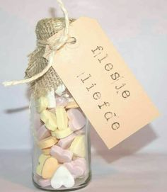 DIY wedding favors – you can easily do it yourself Little Presents, Diy Presents, Little Gifts, Diy Wedding Favors, Wedding Gifts, Craft Gifts, Diy Gifts, Original Gifts, Love Gifts