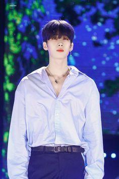 Han Seungwoo [ End ] Korean Boys Ulzzang, Korean Men, Angel Han, Handsome Boys, K Idols, Korean Singer, Cute Boys, Boy Groups, Rapper