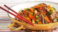 Tom for middagsideer? Asian Recipes, Beef Recipes, Ethnic Recipes, Kung Pao Chicken, Wok, Pot Roast, Japchae, Nom Nom, Healthy Living