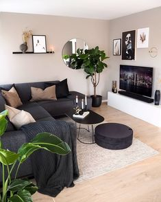 Living Room Grey, Rugs In Living Room, Cozy Living, Modern Small Living Room, Living Room Ideas With Grey Couch, Living Area, Barn Living, Decorating Small Living Room, Grey Couch Decor