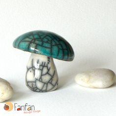 Champignon Turquoise et Blanc en céramique Raku