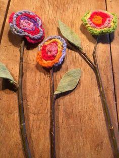 Lentebloemen door kleuters van de Hofakker. Adult Crafts, Easy Crafts, Diy And Crafts, Crafts For Kids, Arts And Crafts, Spring Art, Spring Garden, Projects For Kids, Art Projects
