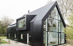 Stål, glas og masser af hjemlig hygge - Danske Boligarkitekter