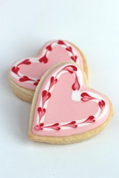 Valentine Cookies Sweet heart cookies for Valentine's day or any day! Video how to on sugar cookies decorated with royal icing. Cookies Cupcake, Cupcakes, Heart Cookies, Iced Cookies, Cut Out Cookies, Royal Icing Cookies, Sugar Cookies, Cookie Favors, Baby Cookies