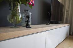 Op maat gemaakte plank voor het welbekende Ikea besta tv meubel. Maak het meubel af met een stoer eikenhouten blad in maar liefst 46mm dikte!