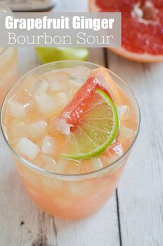 Grapefruit-Ginger Bourbon Sour – fresh grapefruit juice, lime juice, Bourbon, and an easy homemade ginger simple syrup. The most delicious tart and sweet cocktail recipe! Grapefruit Juice Cocktail, Ginger Cocktails, Beste Cocktails, Sour Cocktail, Sweet Cocktails, Spring Cocktails, Good Whiskey Drinks, Bourbon Cocktails, Yummy Drinks