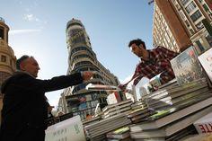 El Día del Libro también se celebró en Madrid (Jesús G. Feria)