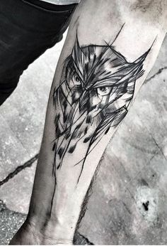 Owl Tattoos for Men: There are lots of animal-inspired tattoo designs for men. But if owl tattoo is done right then it can be as badass as other more masculine animal-based tattoos. Wald Tattoo Arm, Owl Forearm Tattoo, Owl Tattoos On Arm, Mens Owl Tattoo, Animal Tattoos, Body Art Tattoos, Sleeve Tattoos, Tattoo Owl, Tattoo Wings