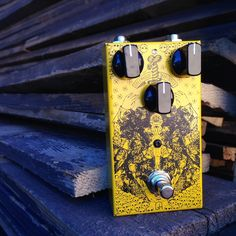 Self-Titled by #GreenhouseEffects is a true analog modular pedal that allows you to change its circuitry and to transform it from an Distortion to a Tremolo, to a Booster, to a Fuzz. This incredible pedal is the missing link to every pedalboard. Check out the Self-Titled and RogueGuitarShop.com #rogueguitarshop #GreenhouseEffects #scarlettlove #droff #hillsong #tonefordays #tone #overdrive #plexi #808 #killertone #pedaloftheday #geartalk #knowyourtone #cleantone
