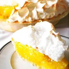 Mom's Lemon Meringue Pie is one of my all-time favorite pies. The lemon filling is tart and smooth and the meringue is light and creamy. The perfect pie! via Mom's Lemon Meringue Pie is one of my all-time favorite pies. The lemon filling is tart and smoo Lemon Desserts, Great Desserts, Lemon Recipes, Pie Recipes, Delicious Desserts, Dessert Recipes, Family Recipes, Recipies, Copycat Recipes