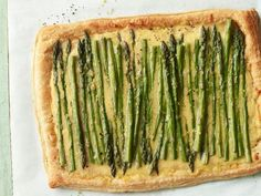 Asparagus & cheese tart- Food Network Magazine- made with puff pastry, fontina, gruyere. Perfect for brunch Easter Appetizers, Easter Dinner Recipes, Easter Brunch, Brunch Recipes, Appetizer Recipes, Simple Appetizers, Brunch Appetizers, Easter Ham, Easter Food