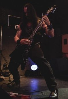 Training on stage is importante'. Got to keep those stems in check. Death Metal, Stems, Squats, Blood, Training, Rock, Concert, Drift Wood, Coaching