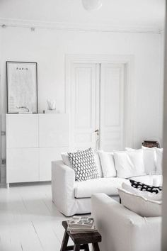 Are you looking for the perfect idea before designing your living room? Well, we have 35 classy white living room ideas for you. Living Room White, White Rooms, Home And Living, Living Room Decor, Living Furniture, White Furniture, Monochrome Interior, Interior Design, Muebles Living